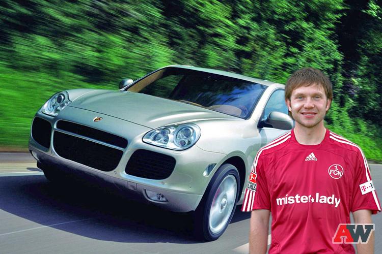 машины российских футболистов пришли
